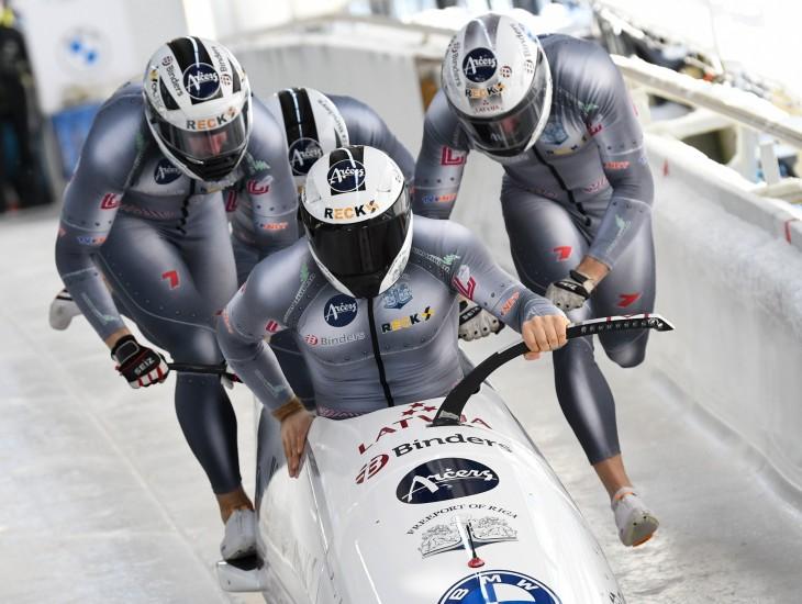 Latvija olimpiskajā sezonā Pasaules kausā varēs startēt ar trim bobsleja ekipāžām